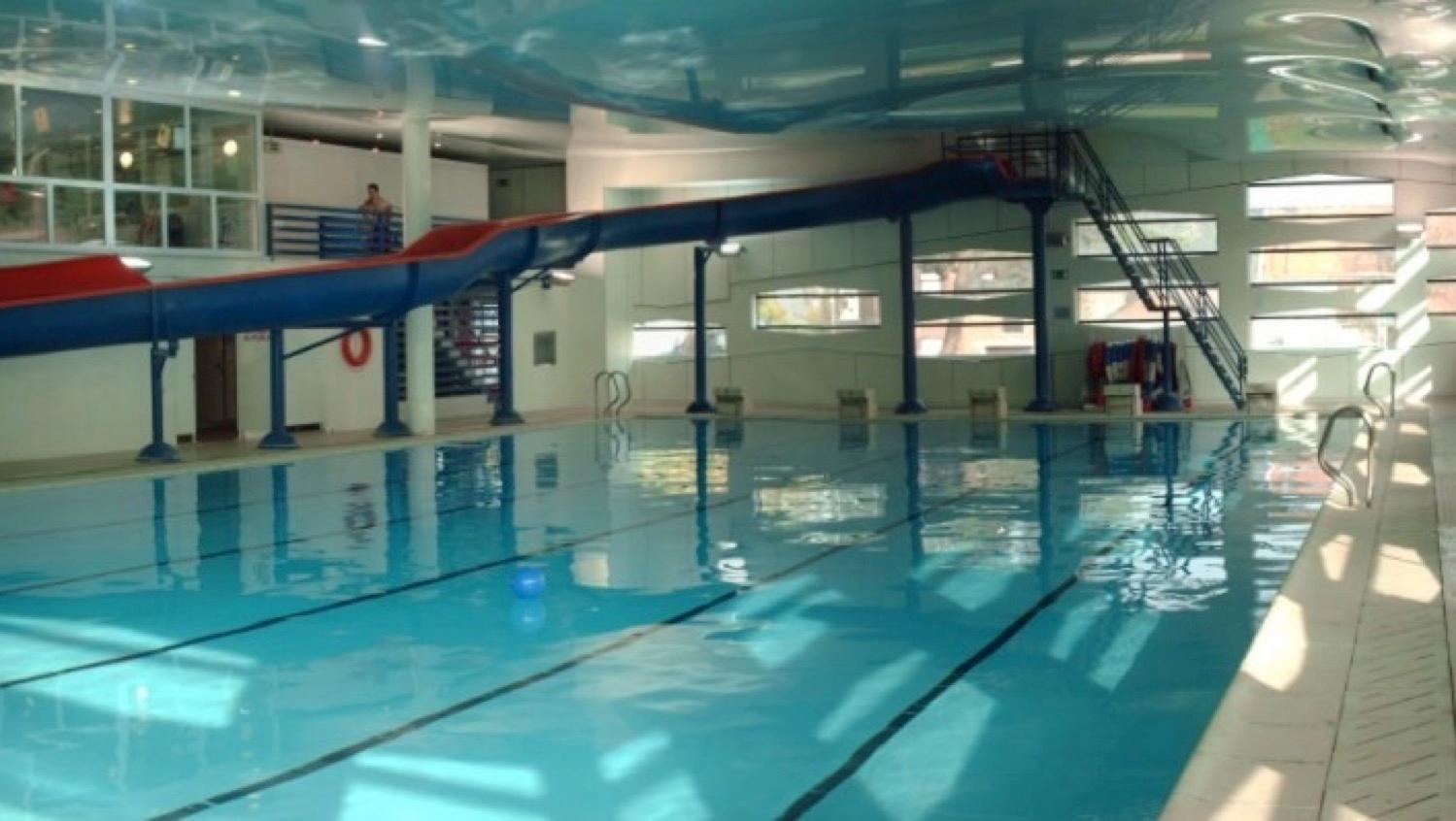 La fermeture de la piscine communale de lessines est prolong e for Piscine de la riche