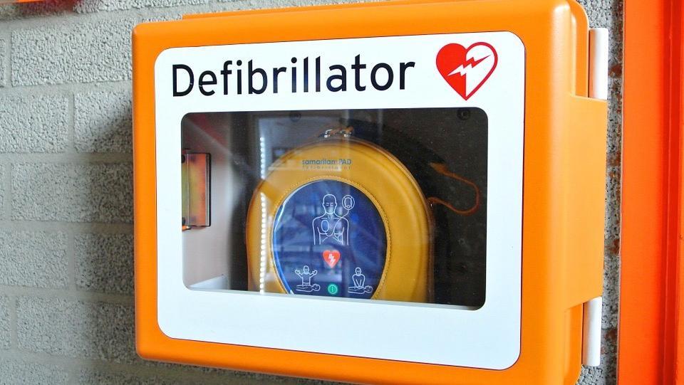 Une formation gratuite pour apprendre à utiliser des défibrillateurs