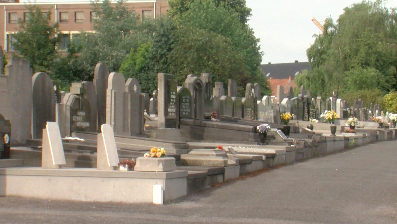 En période hivernale, les cimetières de Mouscron sont fermés à 18 heures