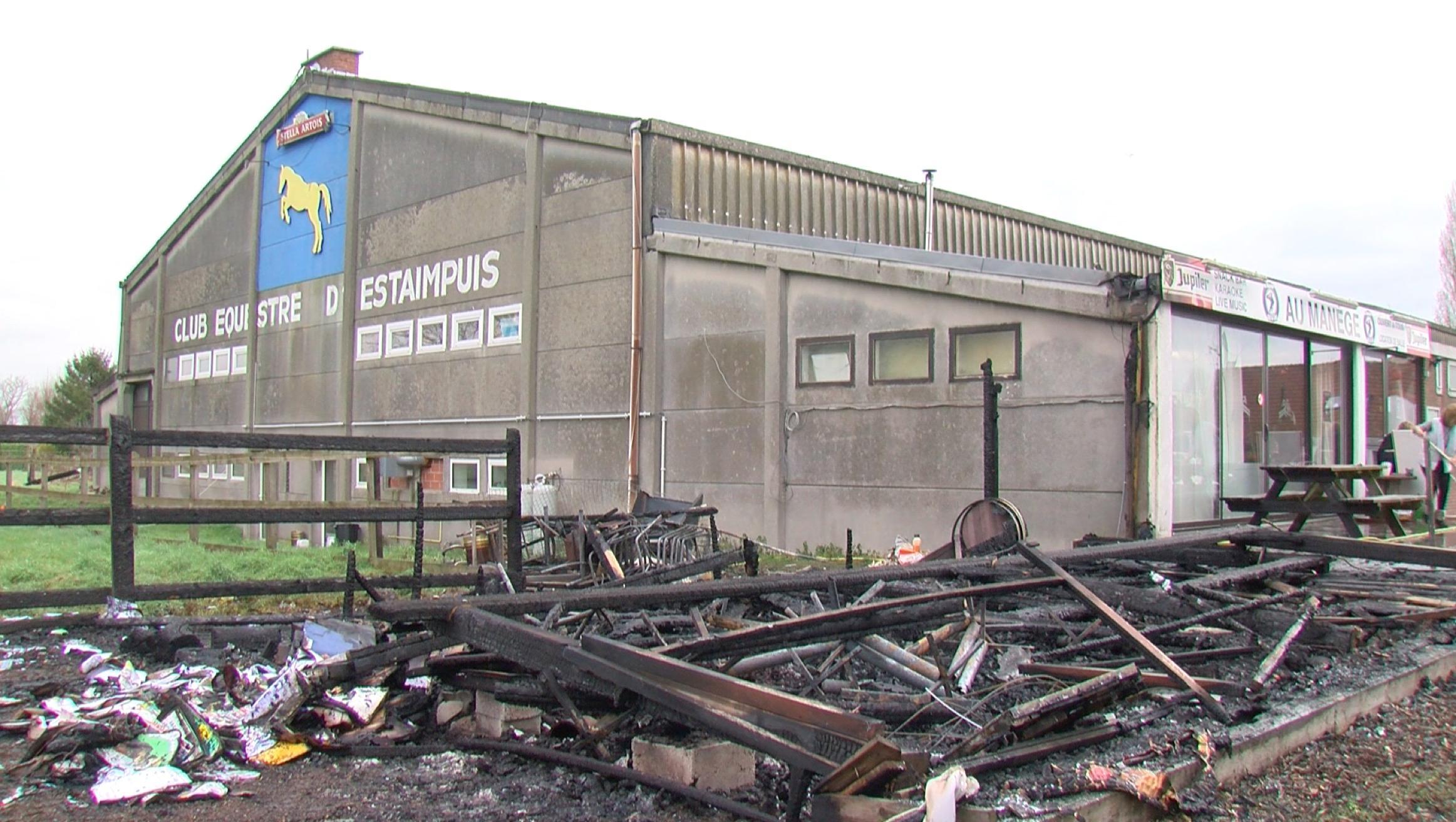 Incendie au centre équestre d'Estaimpuis