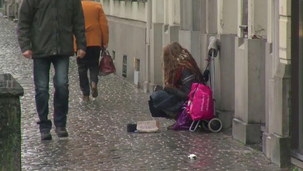 Recours contre le règlement anti-mendicité: Delannois demande des solutions