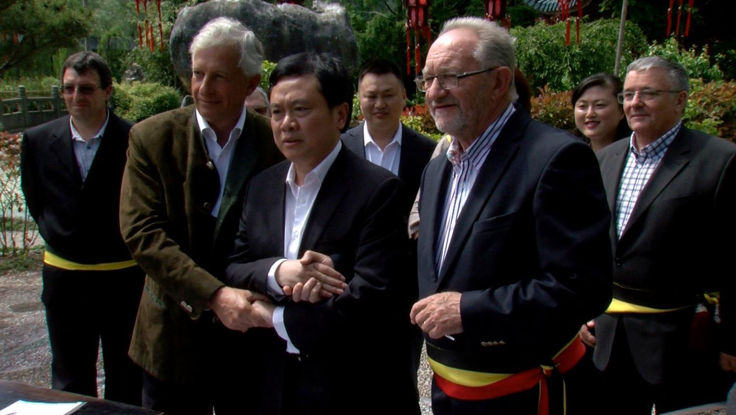 Une délégation chinoise en visite à Pairi Daiza