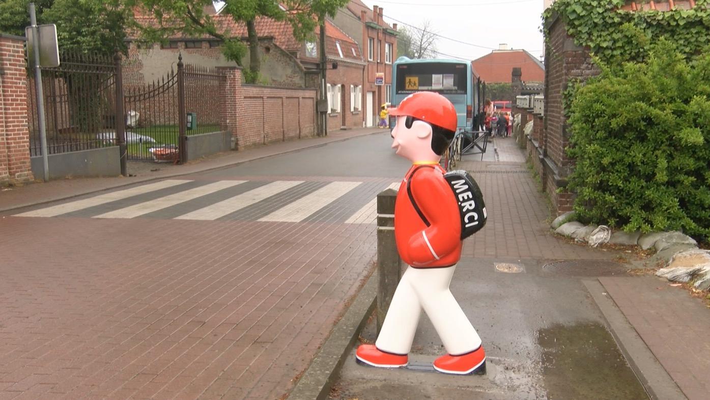 Des totems pour vous dissuader de rouler vite près des écoles de Celles