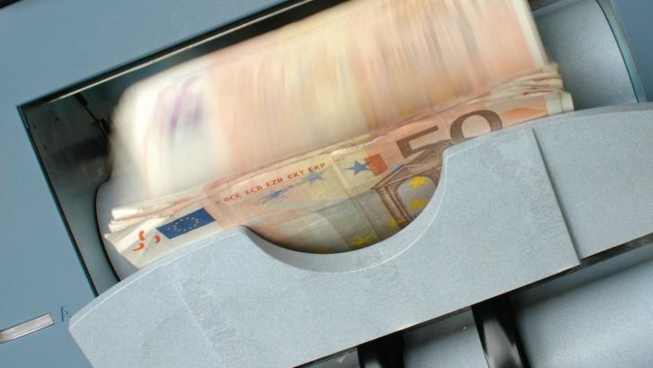 Un homme enlevé et obligé d'utiliser sa carte bancaire