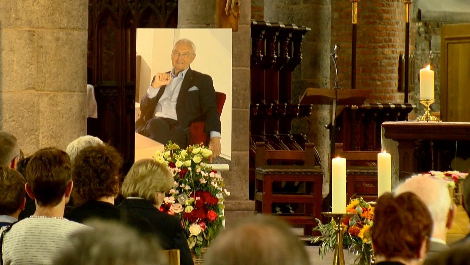 Funérailles de Luc Van Overschelde, un grand homme aux yeux de tous