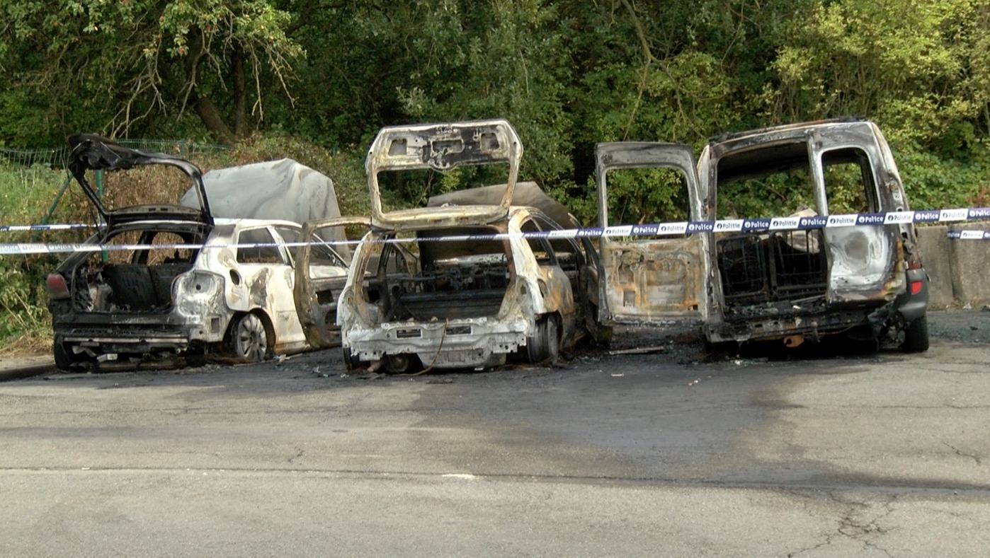 Deux individus interpellés après de nouveaux incendies de voitures