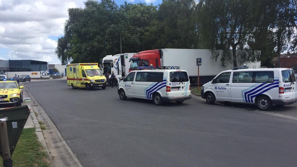 17 migrants retrouvés dans la remorque d'un camion