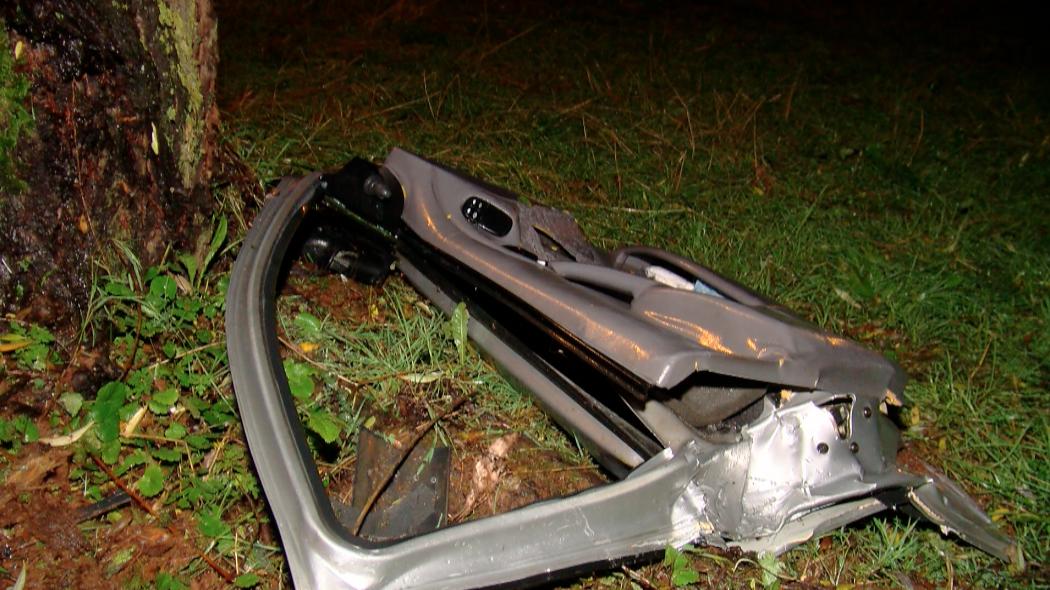 Un automobiliste décède après avoir heurté un arbre