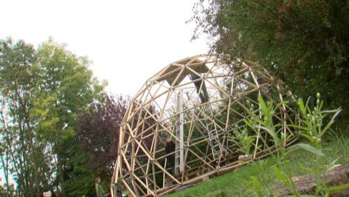 Construction d'une géode à la Maison de la Culture