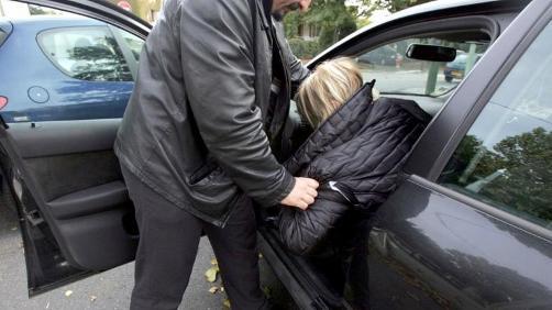Car-jacking avec violence