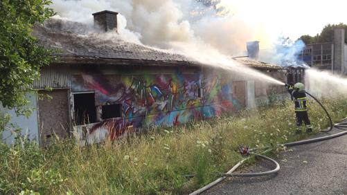 Incendie criminel dans l'ancienne école