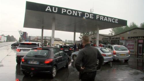 Les Français se ruent sur nos stations-service