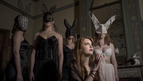 """""""Rabbit in trouble"""" par Charly Desoubry pour l'art dans l'assiette."""