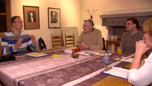 Une table de conversation en néerlandais