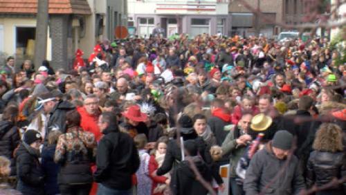 Goldorak pète le feu au Carnaval de Kain