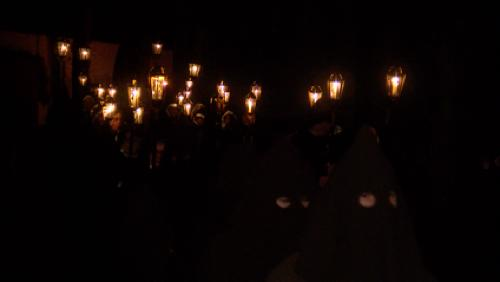 Les pénitents ont marché jusqu'à la mise au tombeau