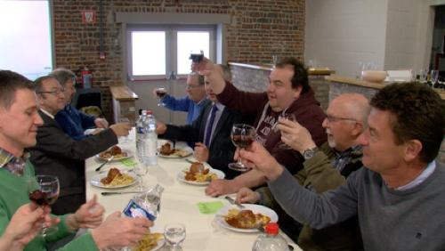 Un conseil communal insolite entre cuisine et salon