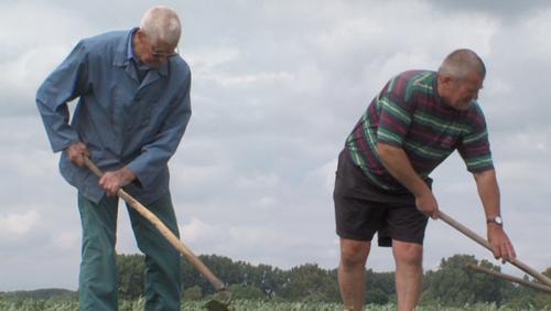 A 92 ans, il va tous les jours aux champs