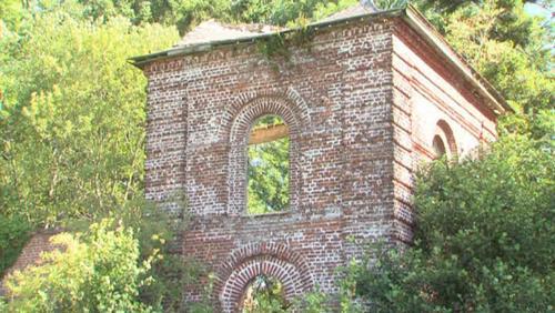 Les pavillons des gardes du domaine de Beloeil tombent en ruines