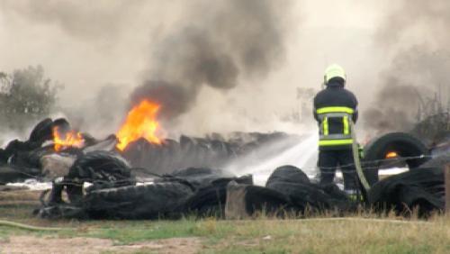 Incendie dans un stock de pneus