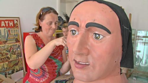 Une nouvelle perruque en crin naturel pour Samson