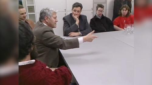 Hugo Pratt, père de Corto Maltese, avec les élèves des Beaux Arts en 1990