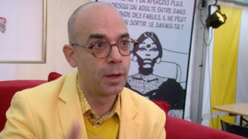"""Le """"Foutez-vous la paix"""" de Fabrice Midal au public tournaisien"""