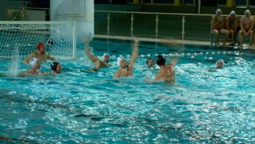 Mouscron s'approprie la super coupe de water-polo.