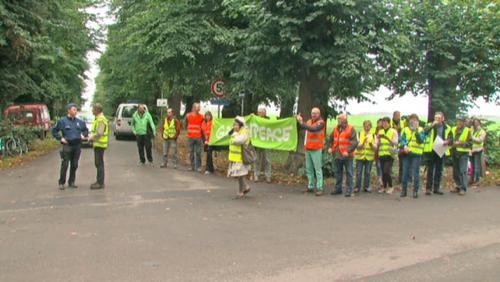 Les comités citoyens manifestent devant Pairi Daiza