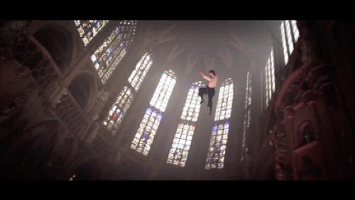 La féérie de Luc Petit dans la Cathédrale de Tournai