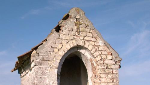 Comment restaurer la chapelle sainte Appoline de Vezon?