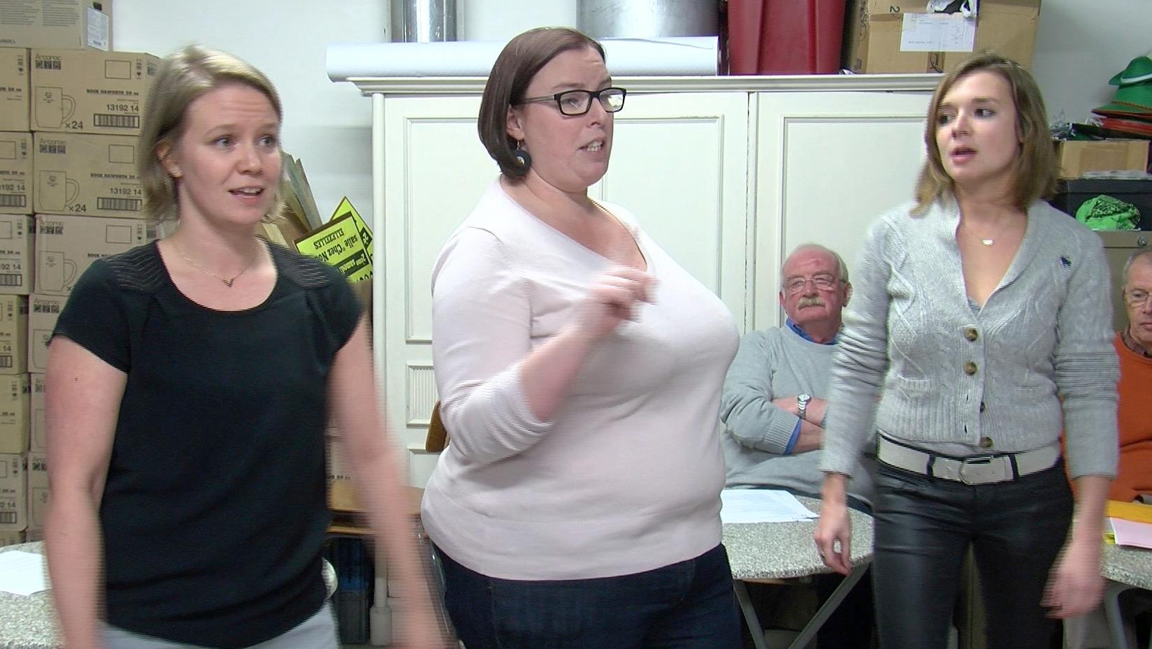 3 nouvelles femmes au cabaret Ellezellois