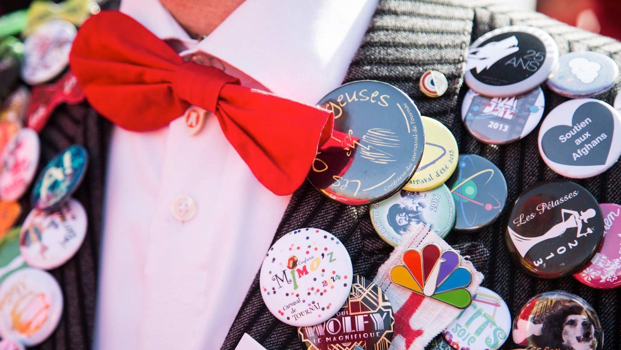 Le musée de Folklore recherche les pin's et badges des confréries de carnaval