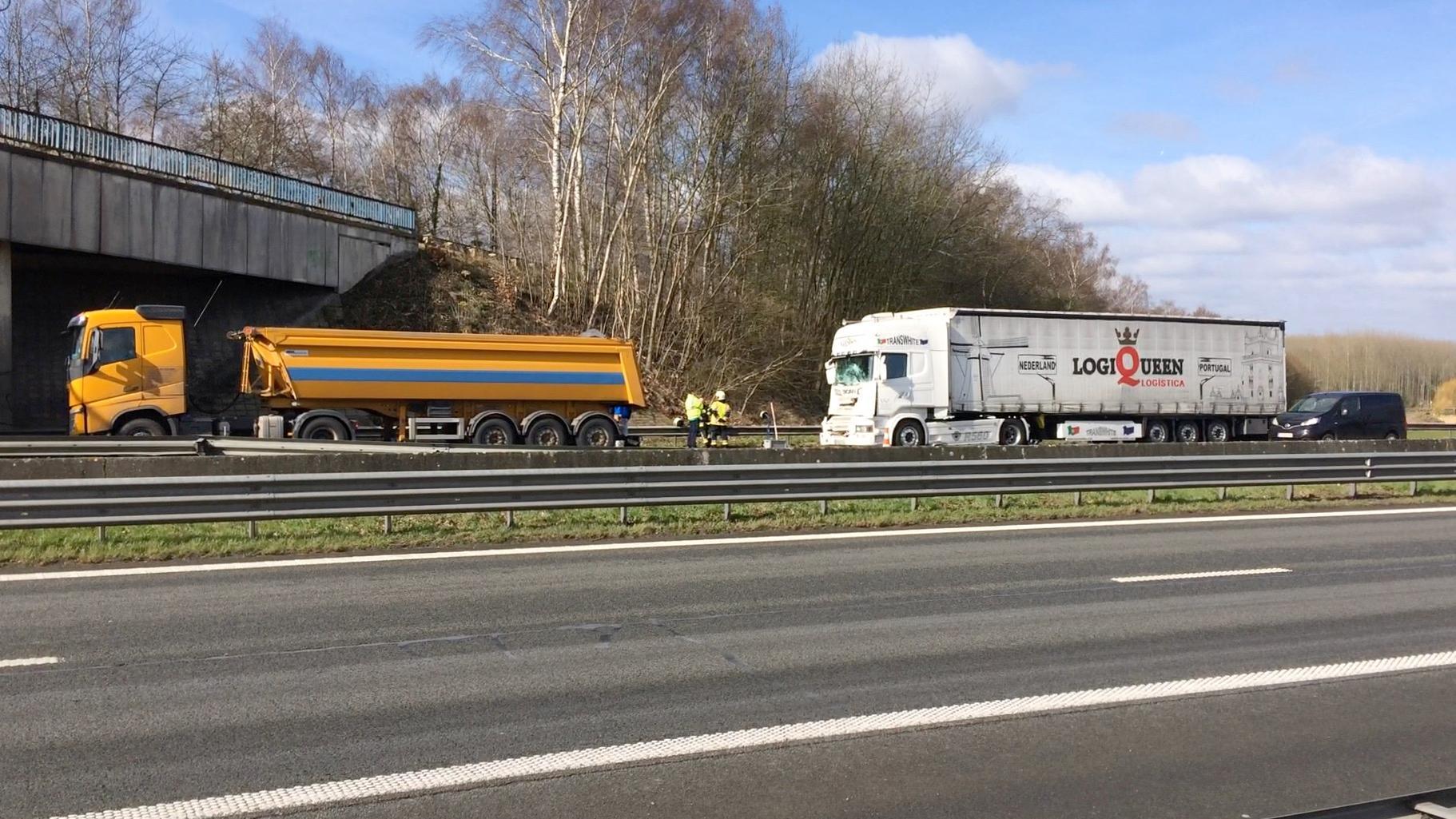 Un accident provoque des ralentissements sur l'A17 à hauteur de Templeuve