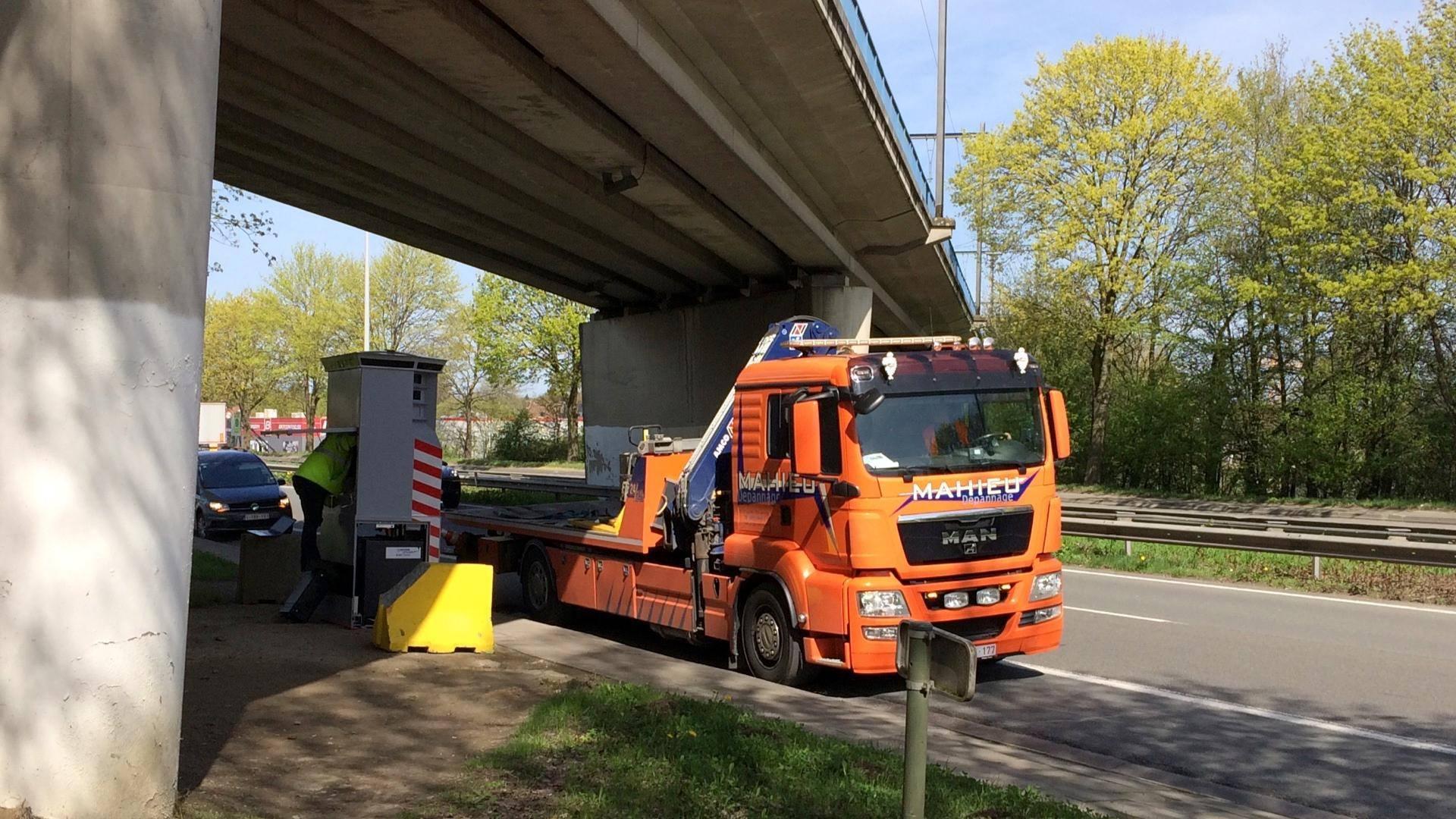 Le Lidar de nouveau installé sur la route express à Mouscron