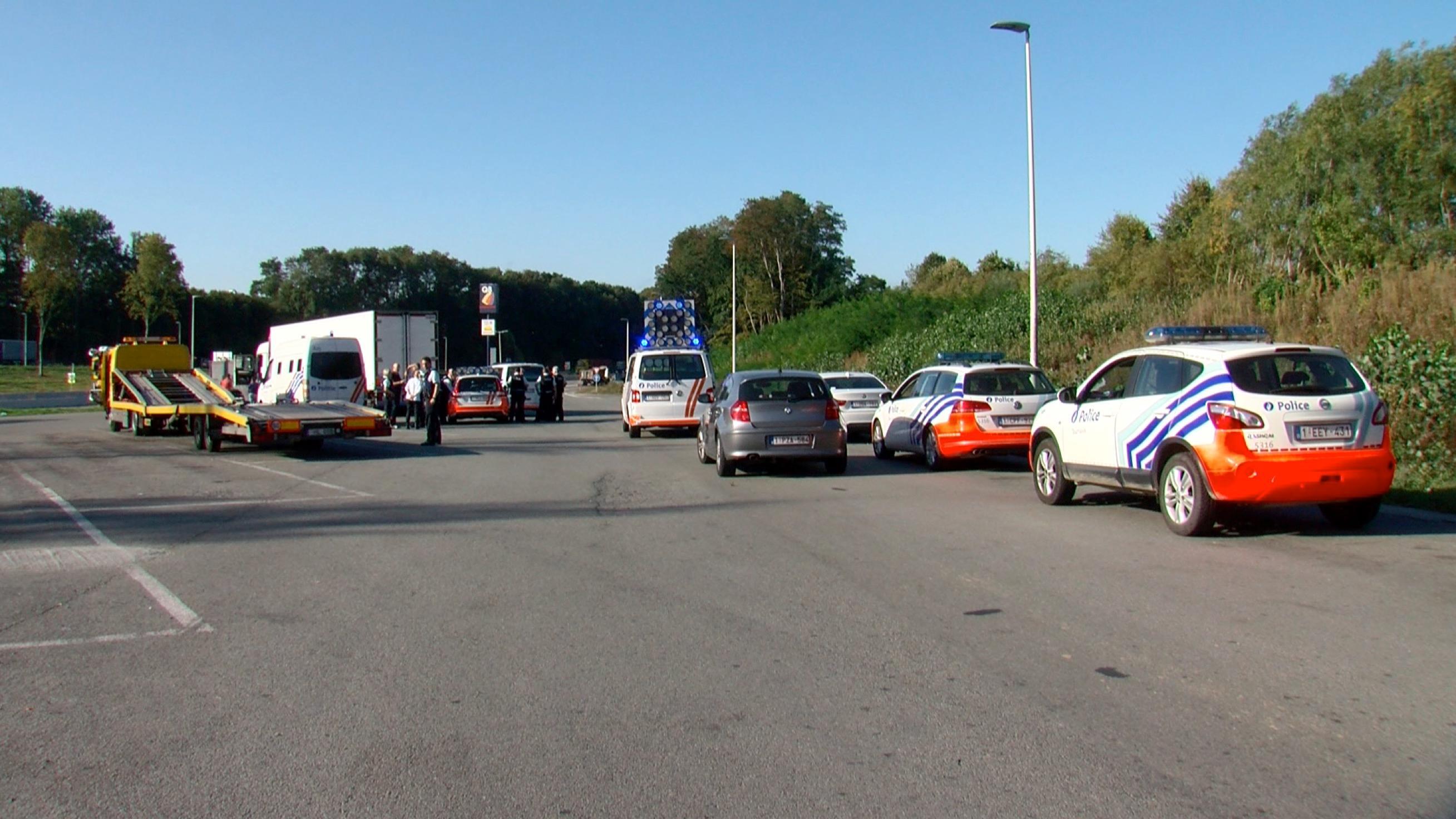 Une vingtaine de transmigrants arrêtés sur l'aire d'autoroute Q8