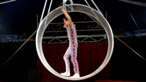 """Les préparatifs du spectacle """"Nouveau programme"""" de la Cie """"Circus Marcel"""""""