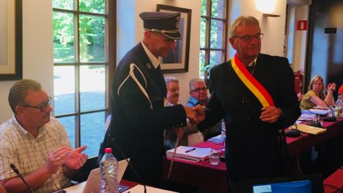 Eddy Bouvry reçoit l'insigne d'or de lauréat du travail