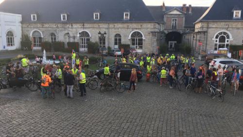 Les cyclistes tournaisiens réclament plus de pistes