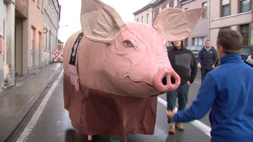 """Résultat de recherche d'images pour """"pendaison cochon flobecq"""""""