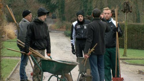 Des horticulteurs en formation entretiennent le parc d'Enghien