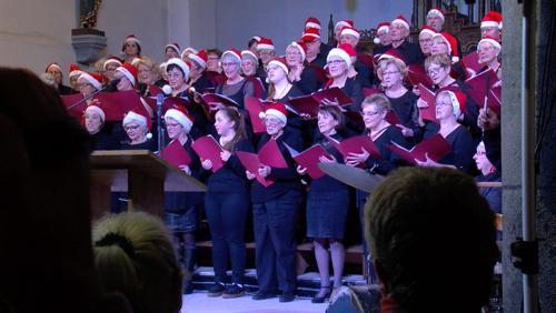 Une église bondée pour le concert de Noël
