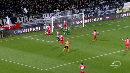 Mouscron battu 2-0 à Charleroi pour la reprise