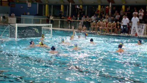 Water-polo: le derby du Nord dans une ambiance de folie
