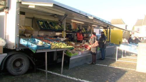 Le marché  a déménagé sur la Grand Place