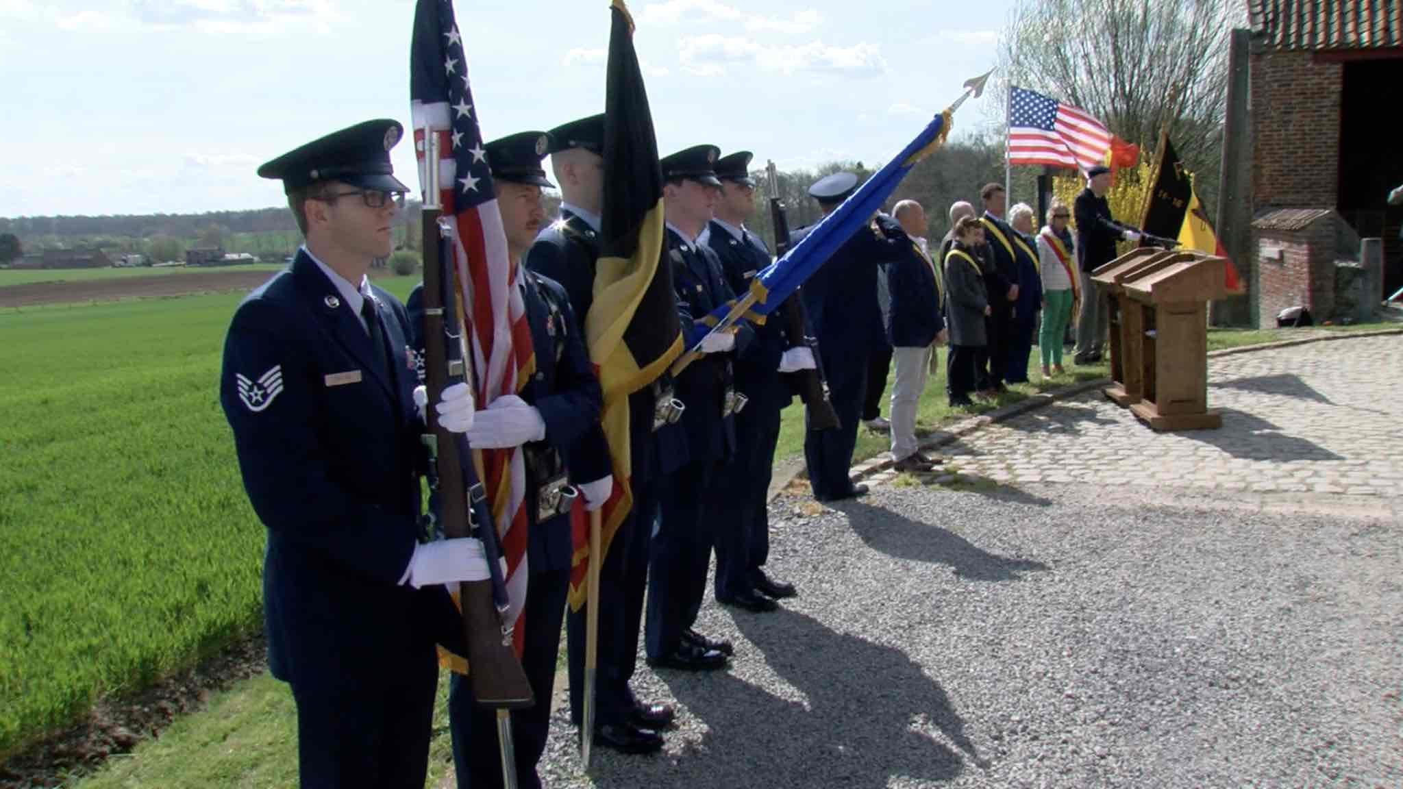 """Commémoration du crash du bombardier américain, le """"Royal Flush B-17"""""""
