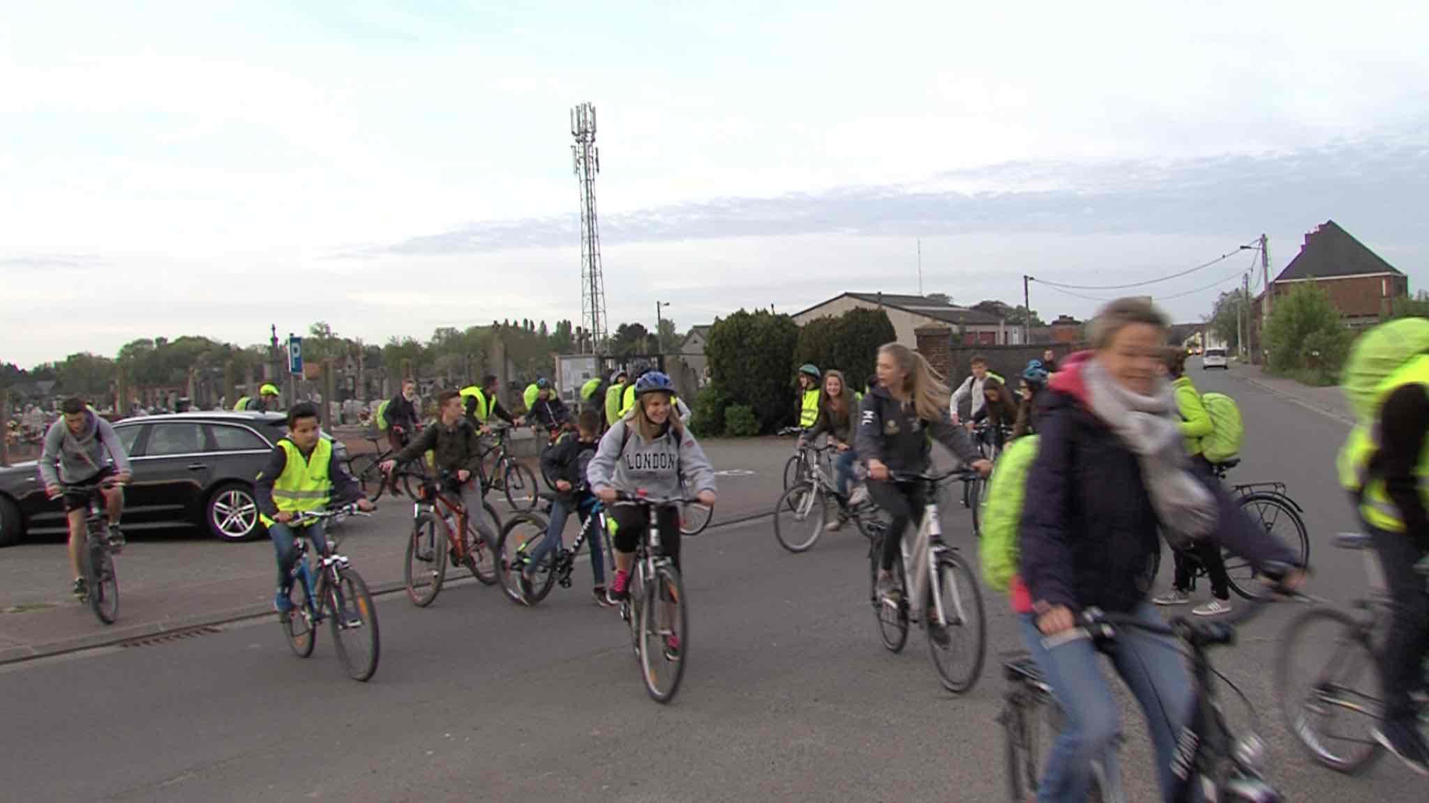 Mobilité: les élèves de Saint-Pierre à vélo
