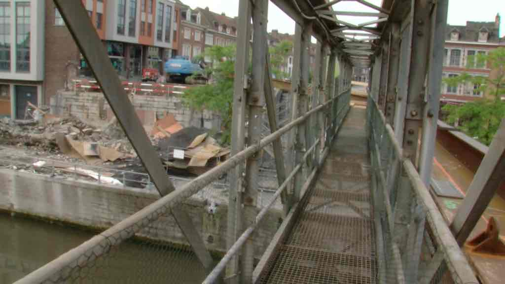 Pont-à-ponts : la passerelle provisoire est ouverte
