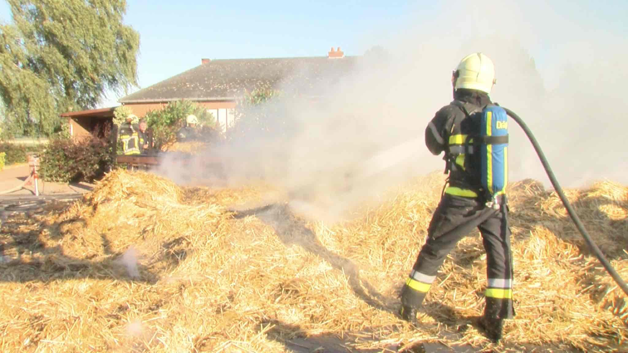 Remorque agricole en feu