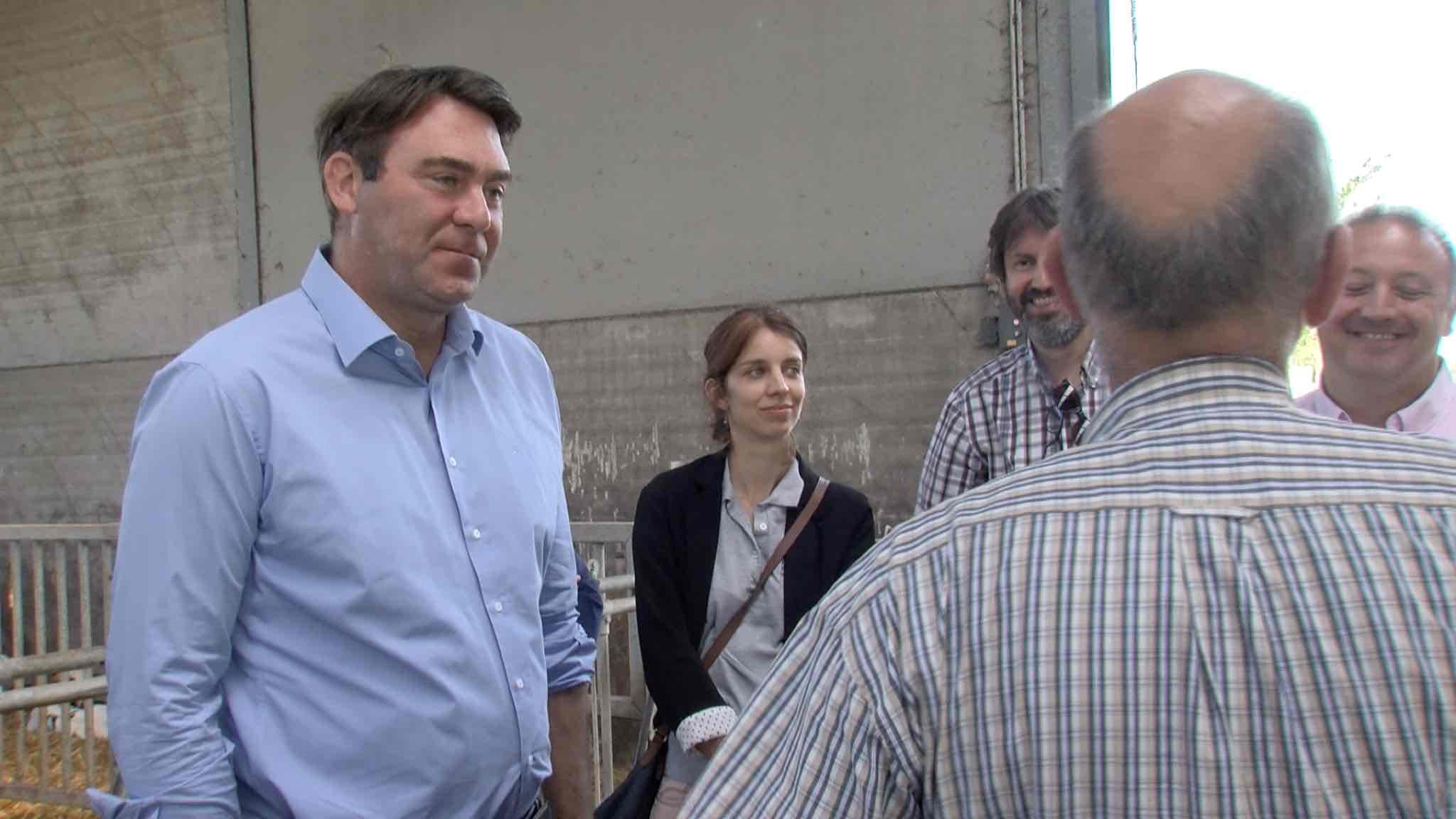 Le ministre de l'Agriculture Denis Ducarme en visite à la ferme de l'Epinette